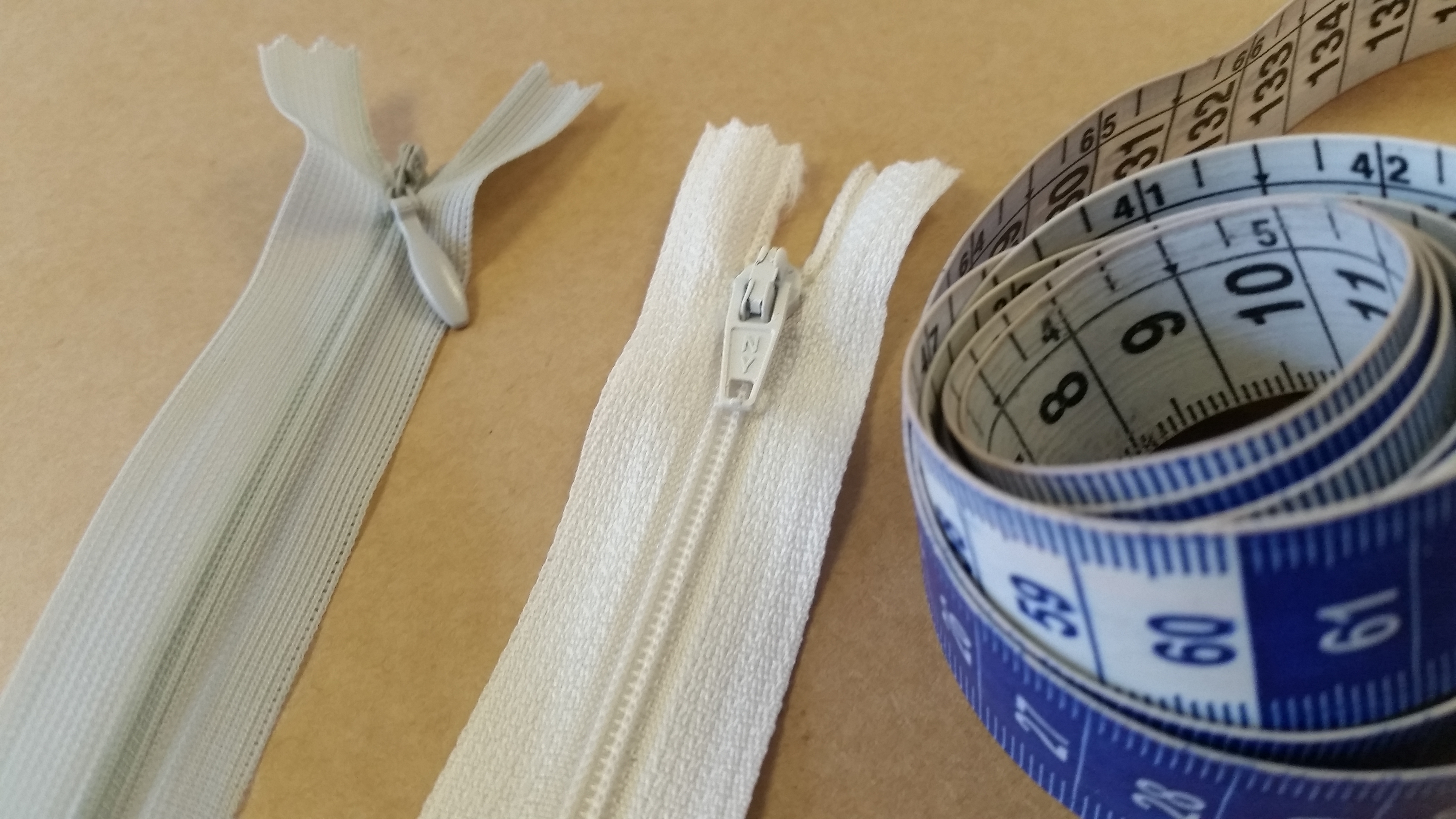 Como costurar zíper invisível e zíper comum